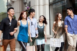 Young Chinese shoppers - China Elite Focus
